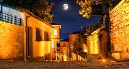 İzmitin Kapanca Sokağındaki ahşap Osmanlı evleri restore edildi