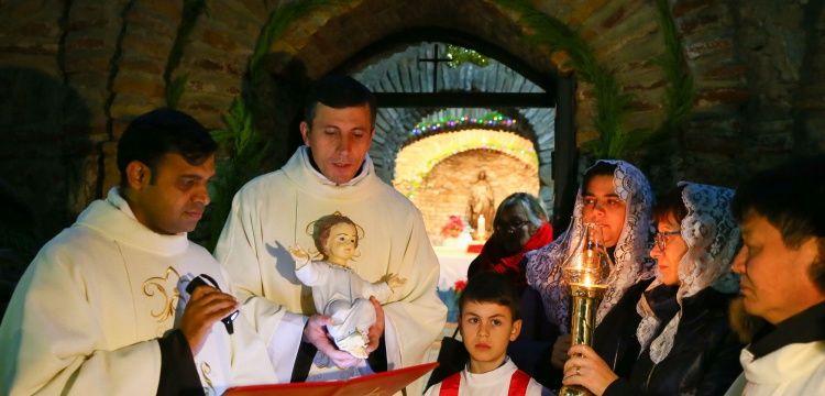 Meryem Ana Evinde Noel ayini yapıldı