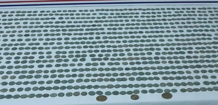 Aydın'da tarihi eser operasyonunda 1050 sikke ve 3 altın yakalandı