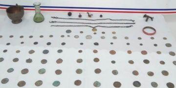 Bingölde kaçak kazılarda çıkarılmış tarihi eserler yakalandı
