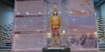 Altın Elbiseli Adama Kazakistanlı Tutankamon deniliyor