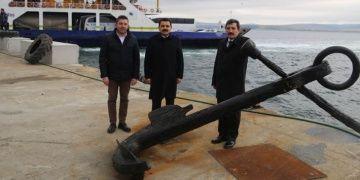 Lapsekide denizden 3 tonluk tarihi çapa çıkarıldı