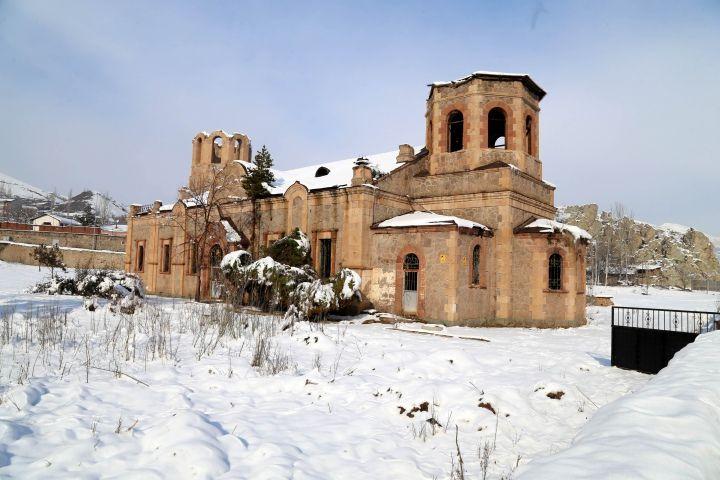 Oltu Rus Kilisesi restorasyon sonrası kütüphane olacak