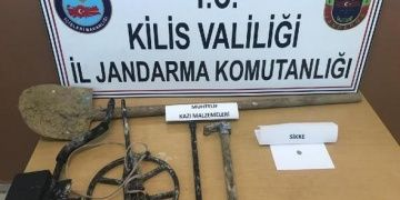 Kiliste Ravanda Kalesinde kaçak kazı yapan 3 defineci yakalandı