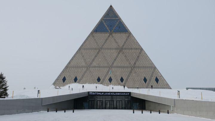 Kazakistan'ın 21. yüzyıl Piramidi: Barış ve Uyum Sarayı