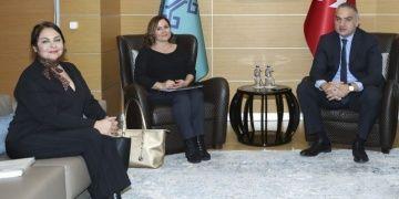 Bakan Ersoy, akademisyen Hayal Güleçi çalışma ofisinde ağırladı