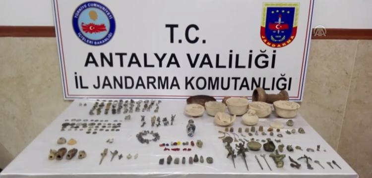 Muğla'dan Manavgat'a satış için getirilen 241 parça tarihi eser yakalandı