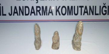 Eskişehirde 3 kişi tarihi eser olduğu sanılan 3 heykelle yakalandı