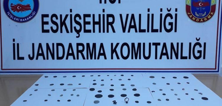 Eskişehir'de 70 sikke tarihi eser olduğu sanılan 3 obje yakalandı