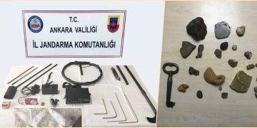 Ankaranın iki ilçesinde 10 kişi tarihi eser kaçakçılığından yakalandı