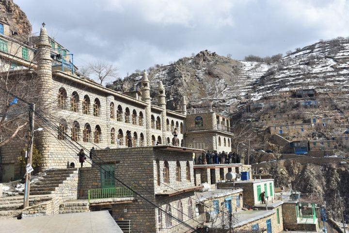 İran'ın tarihi kasabası Havraman'ın taş evleri görenleri büyülüyor