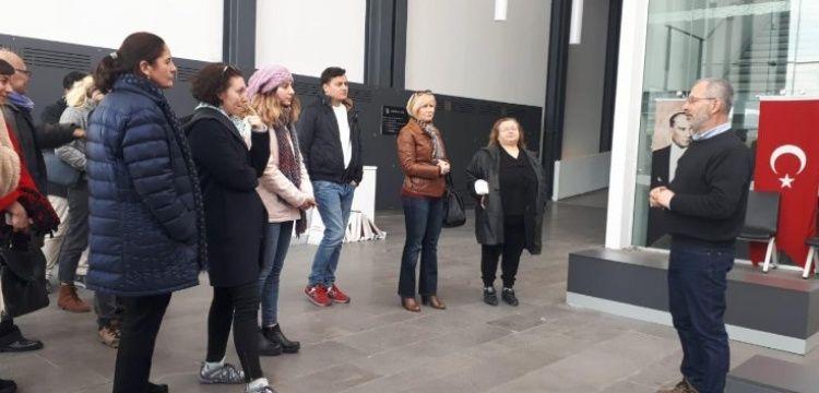Gazeteciler ve arkeologlar arkeoloji haberciliği için İzmir'de buluştu