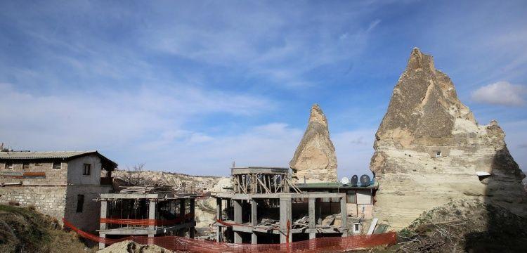 Göremede Peri Bacaları arasına yapılan otel inşaatı durduruldu