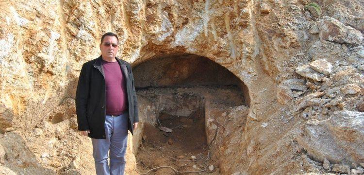Ödemişte yol yapımı sırasında Lidya dönemi kaya mezarı bulundu
