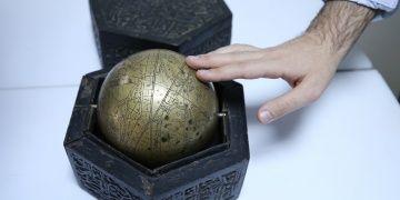 Ankarada satılmak istenen takım yıldızlarını gösteren Küre-i Sema yakalandı
