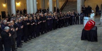 İstanbul Üniversitesinde Prof. Dr. Kemal Karpata veda töreni yapıldı