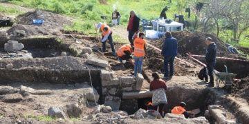 Bodrumda inşaat alanındaki sondajda antik kaya mezarları bulundu