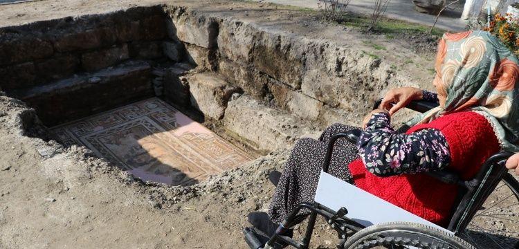 Arkeolojinin Nene Hatunu, Anavarza muhafızı Hatun Dilci'ye anlamlı jest