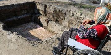 Arkeolojinin Nene Hatunu, Anavarza muhafızı Hatun Dilciye anlamlı jest