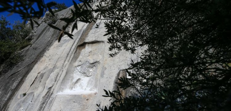 İşte parçalanan Hitit anıtı Karabel Kaya Kabartmasının son hali
