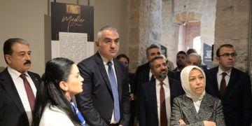 Bakan Ersoy: Turizme sadece arkeoloji ve kültür olarak bakılmamalı