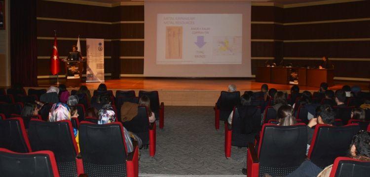 Uluslararası Arkeoloji Öğrencileri Sempozyumu Erzurum'da başladı