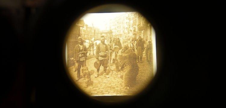 Aralıktan Bakmak sergisi ile 100 yıl önceki Pera'da sanal yolculuk