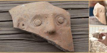 Kudüste insan yüzü tasvirli kil çömlek parçası bulundu