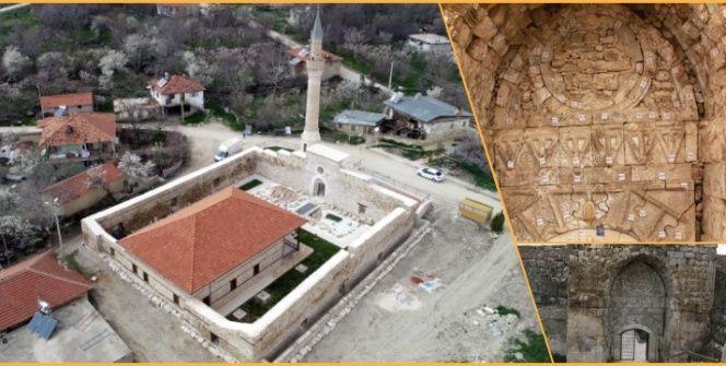 Antalyanın taç kapısı dillere destan Alaaddin Camisi