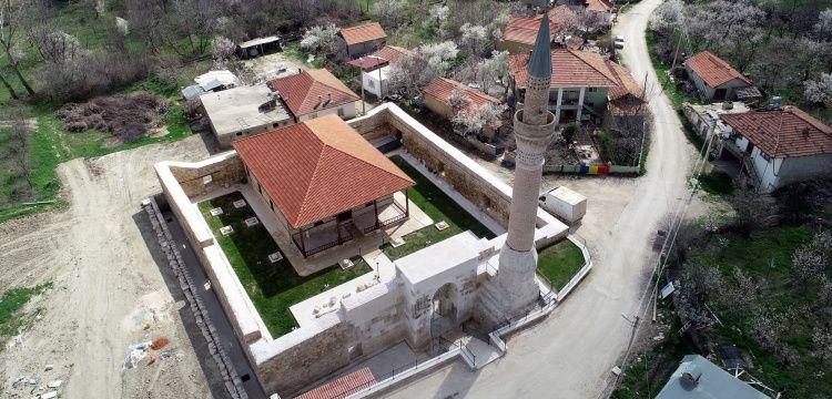 Taç kapısıyla ünlü 700 yıllık Alaaddin Camisinin restorasyonu tamamlandı.