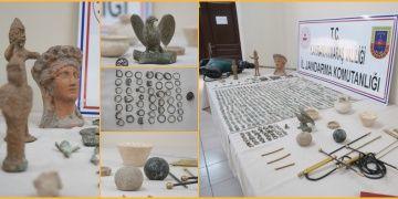 Maraşlı defineciler buldukları 1586 parça tarihi eserle yakalandılar