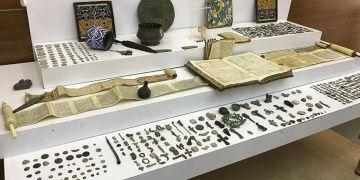 İstanbulun 5 ilçesinde eş zamanlı tarihi eser operasyonları yapıldı