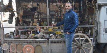 Akyazı ilçesinin kamyonet müzesi görenleri şaşırtıyor