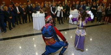 Türk ve Azeri turizmciler Baküde buluştu