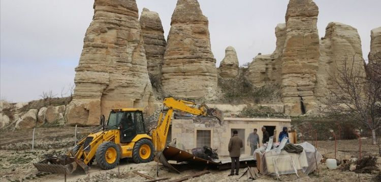 Kapadokya'nın sit alanlarındaki 101 kaçak yapı yıkıldı
