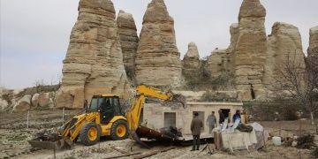 Kapadokyanın sit alanlarındaki 101 kaçak yapı yıkıldı