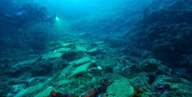 Antalyada keşfedilen dünya en eski batık gemisi
