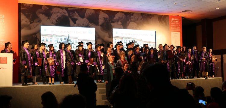 İstanbul Üniversitesi Müzecilik Yönetimi Yüksek Lisans mezuniyet töreni Heritage İstanbulda yapıldı