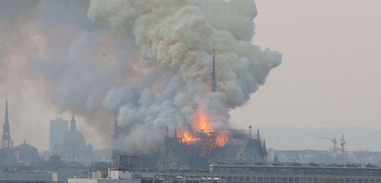 Notre Dame Katedrali nasıl restore edilecek tartışmaları sürüyor