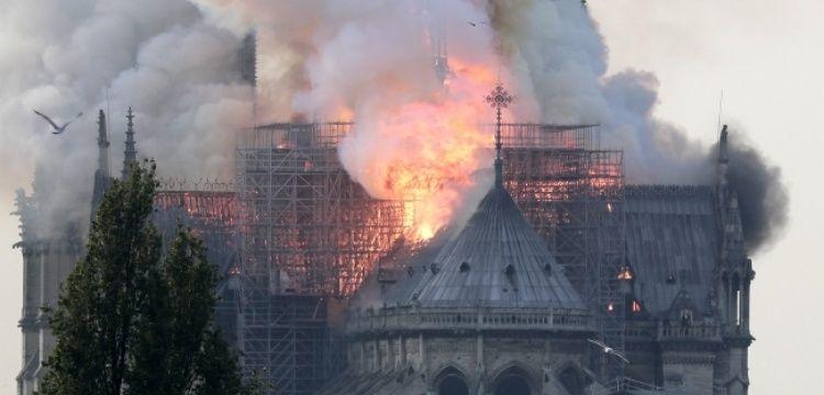 Notre-Dame Katedrali'ndeki yangın restorasyon kaynaklı olabilir