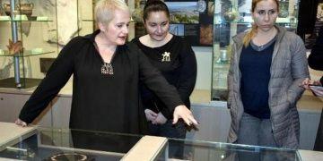 Canan Alimdarın Dantela takı koleksiyonu İzmirde sergileniyor