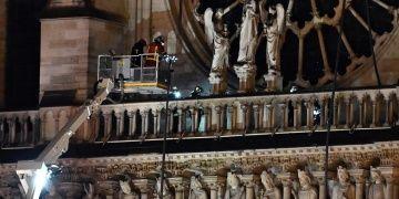 Notre Dame Katedralindeki yangın yaklaşık 8,5 saatte söndürülebildi