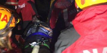 Jandarmadan kaçan defineci, uçurum dibinde ölü bulundu