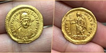 Gold coin of Byzantine Emperor Theodosius II found in Galilee