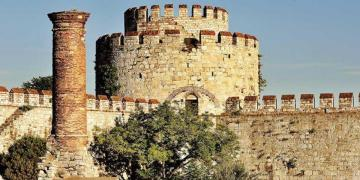 Çekim entrikaları, İstanbul Hisarlar Müze Müdürünü görevinden etti