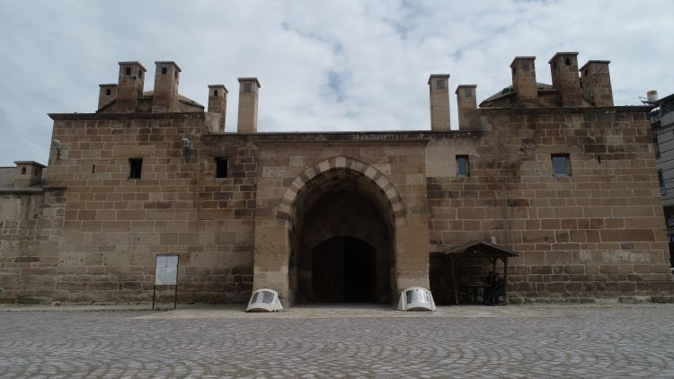 Afyonkarahisar'daki Osmanlı eseri Döğer Kervansarayı restore edilecek
