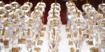 Altın Pusulada Troya Yılı Projesi ve Prof. Dr. Nurhan Atasoy ödüllendirildi