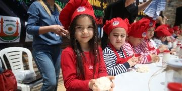 Dokuz ülkeden gelen Minik Şefler Göbeklitepedeki festivalde buluştu