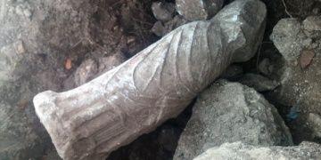 Pamukovada kaçak kazı yapan definecilerden geriye bu heykel kaldı!