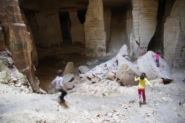 Taşları mimari şaheserlere dönüşen Bazda Mağalarının gizemli güzelliği